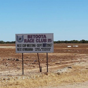 Betoota race meetings once per year