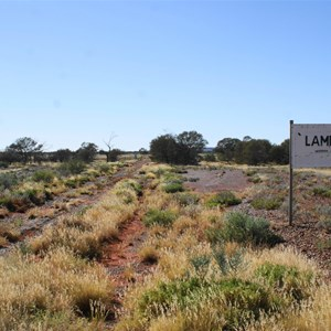 Lambina Sign and Station entry track