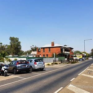 The main street (formerly Hume Highway) and the Glenrowan pub