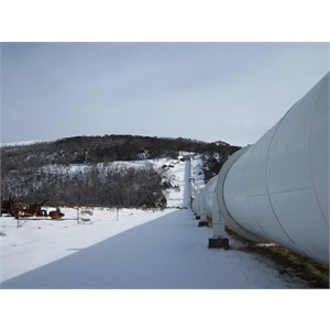 Single pipeline from valve house