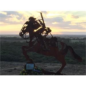 Light Horse soldier sculpture atop Yeerakine Rock