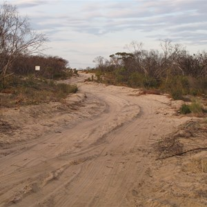 Chinamans Well 4WD track