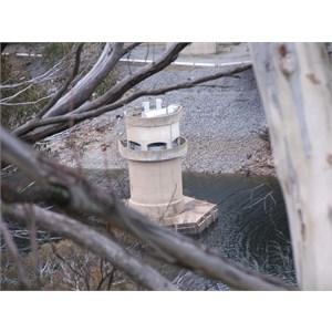 Intake shaft with trashracks above water