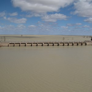 Menindee behind inlet from Copi Hollow