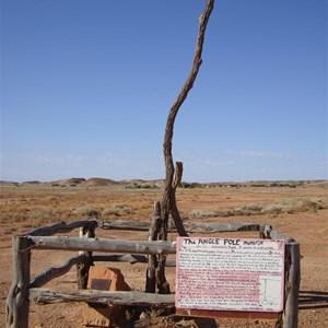 The Angle Pole  Oodnadatta track 2011