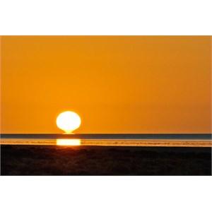 Sunrise on Lake Eyre Nth