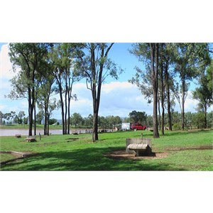 Lake view sites with fire places