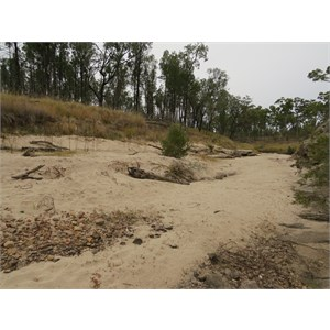 Sandy bed of the Maranoa(west branch) below the Glass