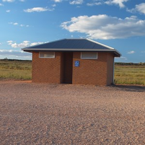 Toilet block, Lake Benanee